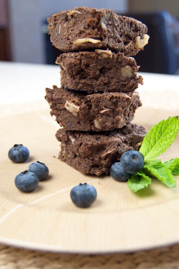 LOW Gluten-Free Quinoa Fudge Brownies